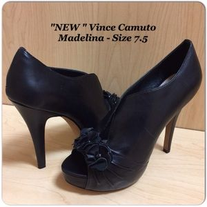 Vince Camuto Madelina Peep Toe Booties Size 7.5